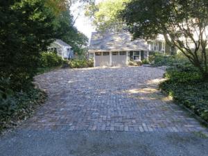 Rustic Street Pavers Transform a Driveway