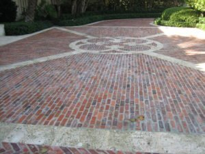Reasons To Choose A Brick Paver Driveway Over Concrete