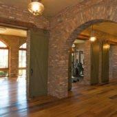 Old Chicago Brick Veneer | Interior Arcade
